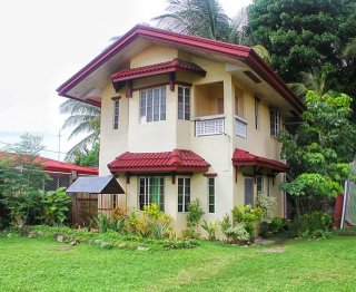 Flores Village Bangkal 3 BR House with Huge Lawn For Sale