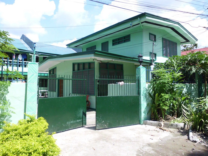 two 2 storey four 4 bedroom house for rent bangkal davao city