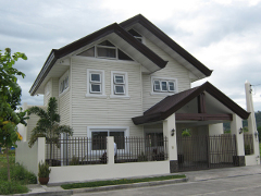 MDR172 : 5 Bedroom 2 Storey Fuente De Villa Abrille House and Lot (Near SM and NCCC Mall)